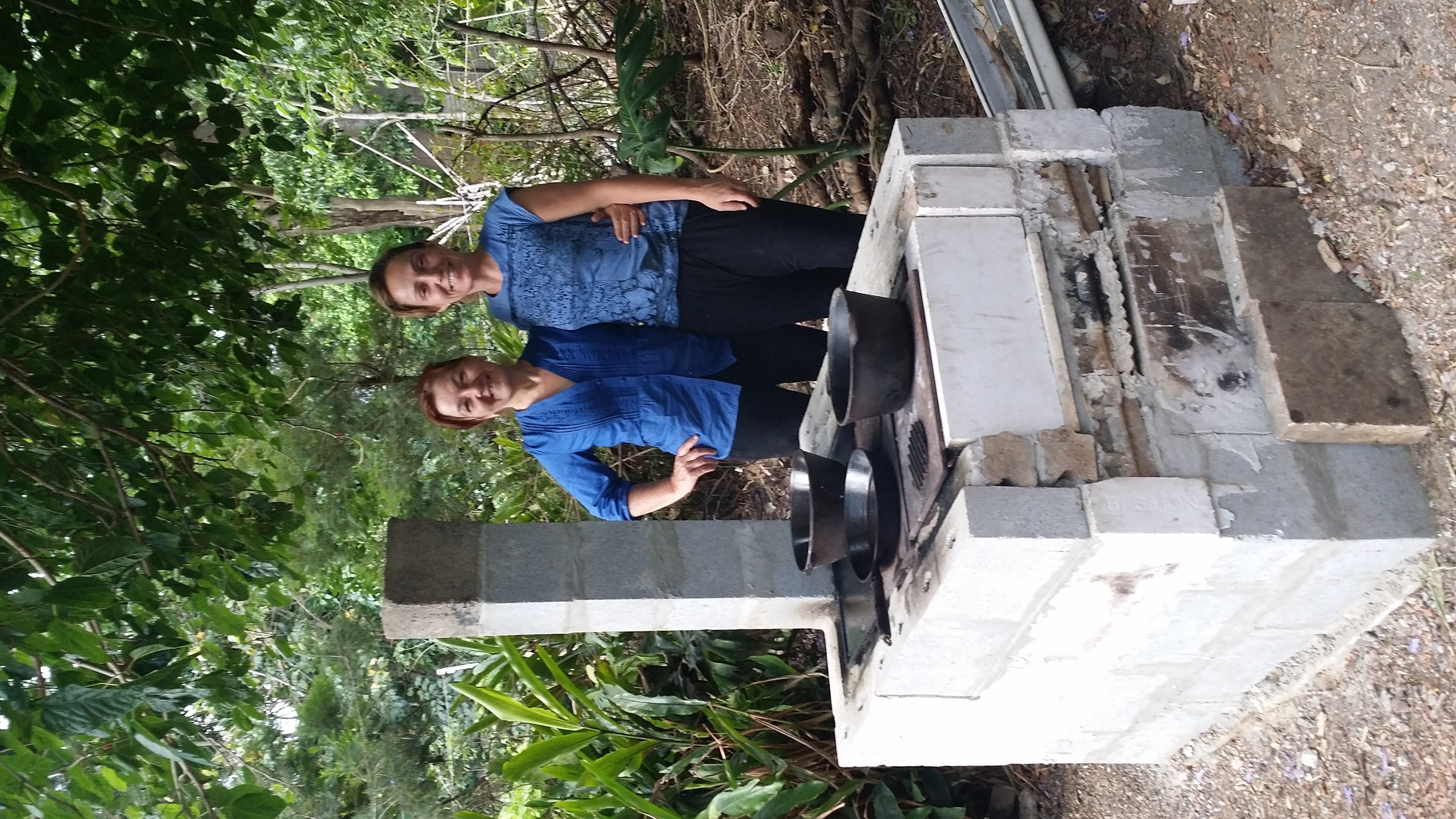 Long Lunch from New Hybrid-Rocket Stove – Permaculture